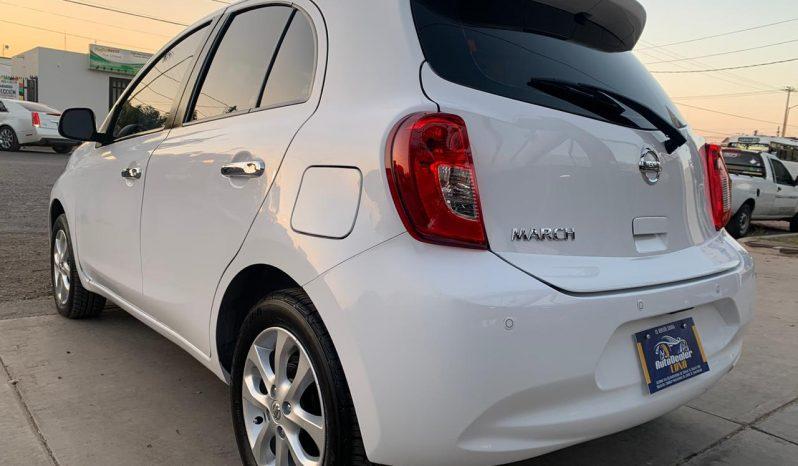 2018  Nissan March lleno
